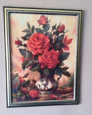 """Собранная мозаика АЖ-1349 """"Прекрасные розы"""" оформлена в раму"""