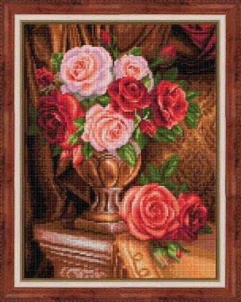 """Собранная мозаика АЖ-1731 """"Благородные розы"""" оформлена в раму"""
