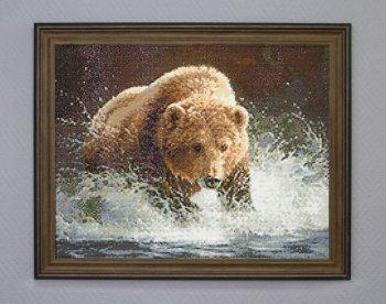 """Мозаичная картина Ag 086 """"Медведь на рыбалке"""" в раме"""
