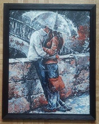 """Собранная мозаика Ag 833 """"Романтическая прогулка под дождем"""" оформлена в раму"""